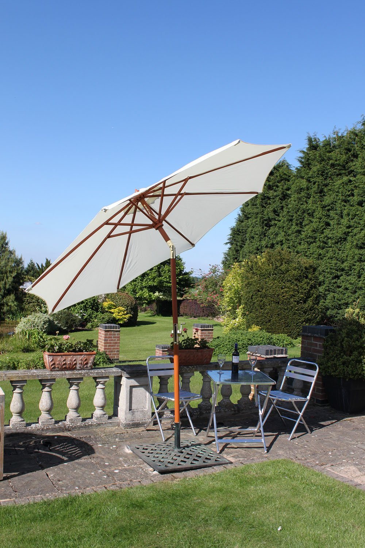 Olive Grove Garten-Sonnenschirm