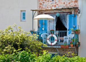 welcher sonnenschirm ist f r den einsatz auf dem balkon geeignet. Black Bedroom Furniture Sets. Home Design Ideas