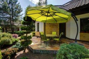 Welches Material eignet sich am besten für Sonnenschirme?