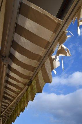 Sonnenschirm reparieren – in diesen Fällen lohnt es sich